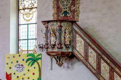 Kirche mit modernen Anklängen
