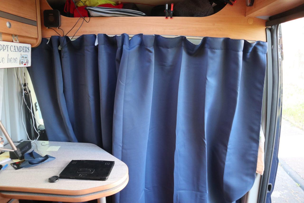 Gardine blau