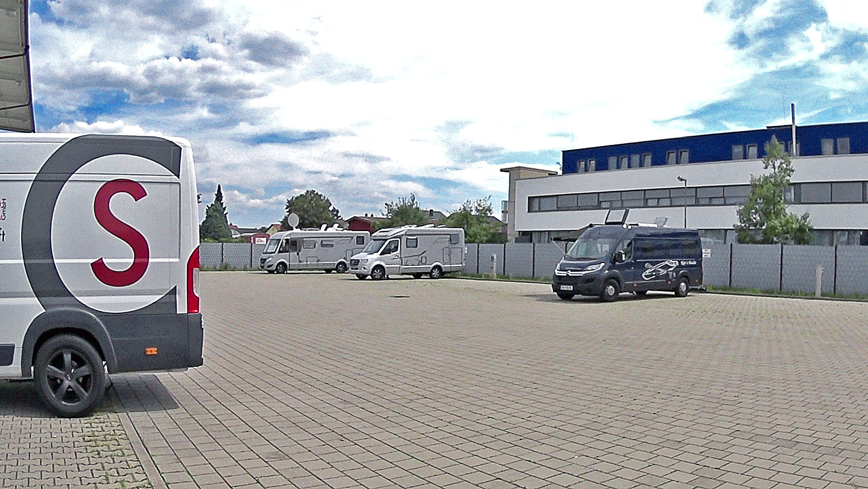 Parkplatz + Stellplatz fa. Sräbler
